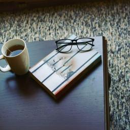 کافه رمان