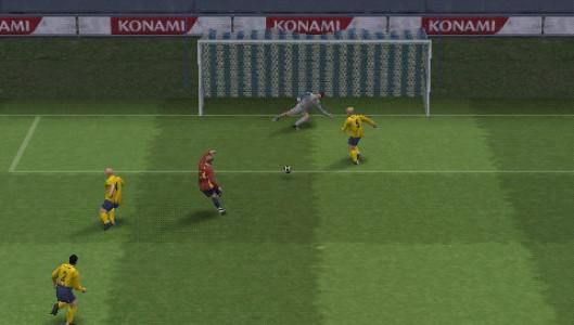 اسکرین شات بازی فوتبال PES 5 1