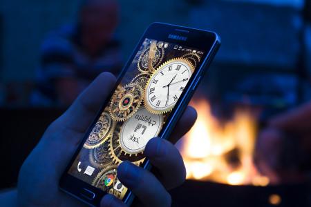 اسکرین شات برنامه پس زمینه ساعت و تاریخ طلایی 3
